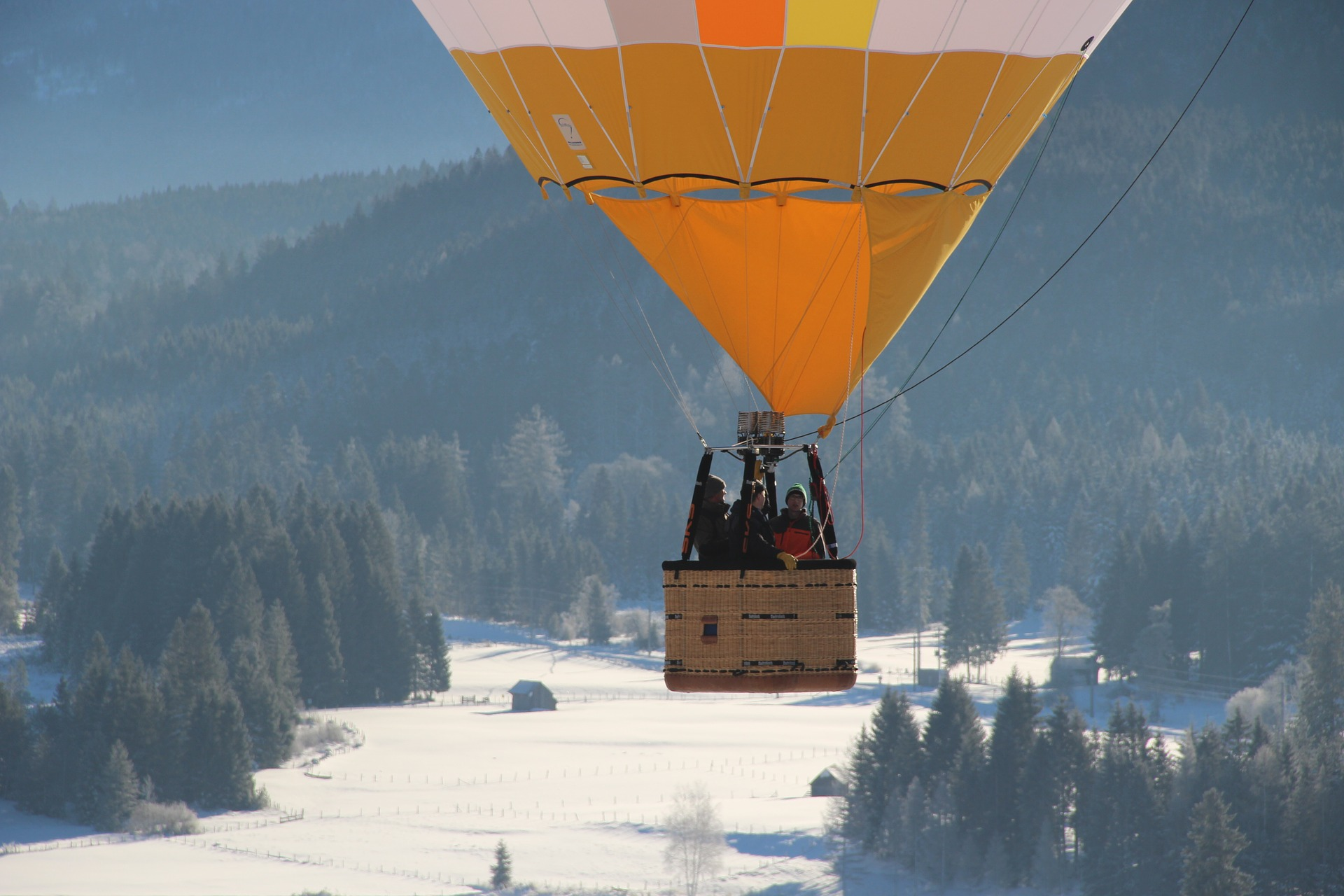 hot-air-balloon-2798786_1920